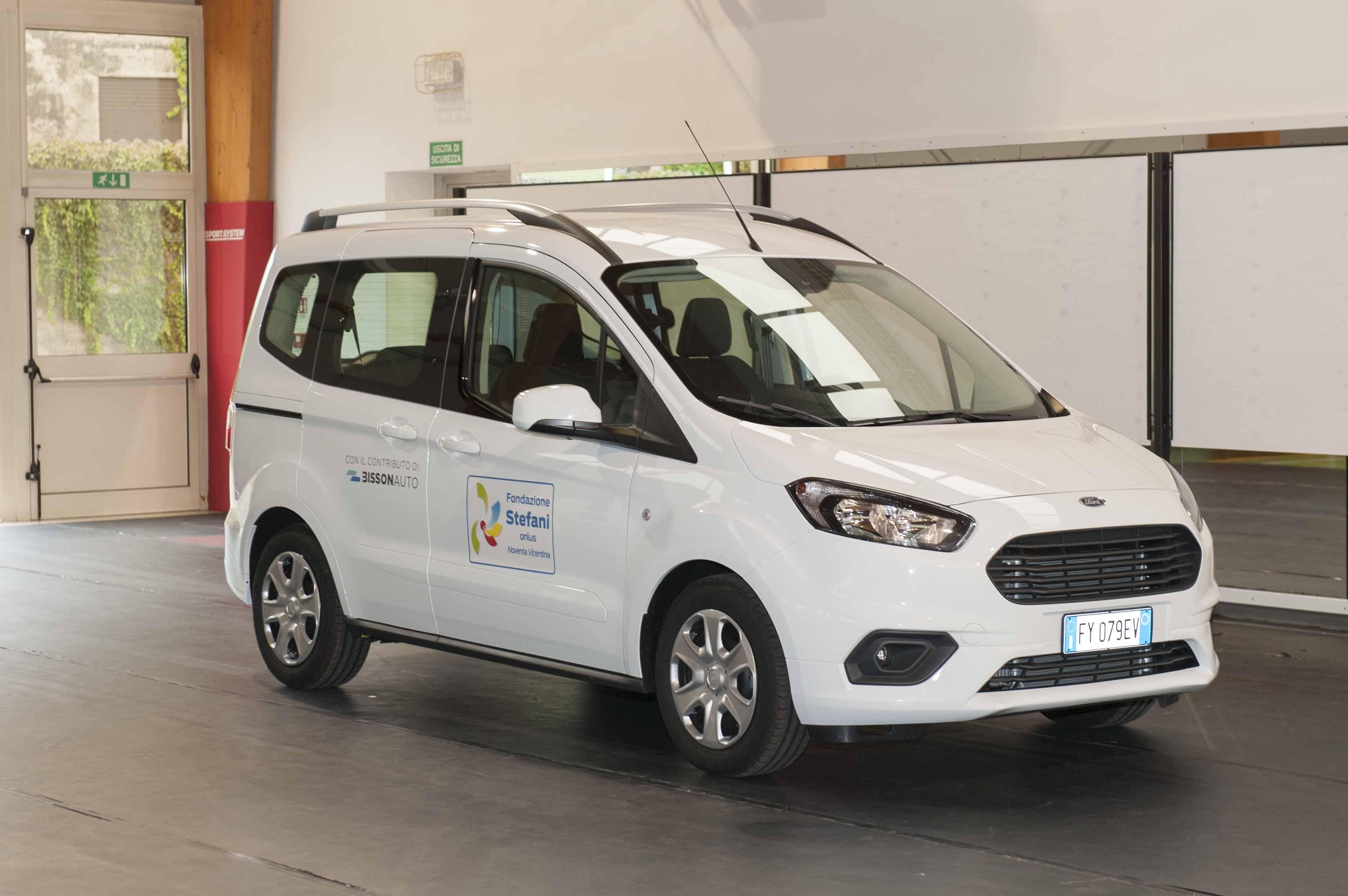 Una nuova auto alla Fondazione Stefani